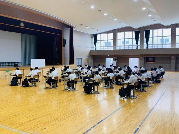 講堂授業様子.jpg